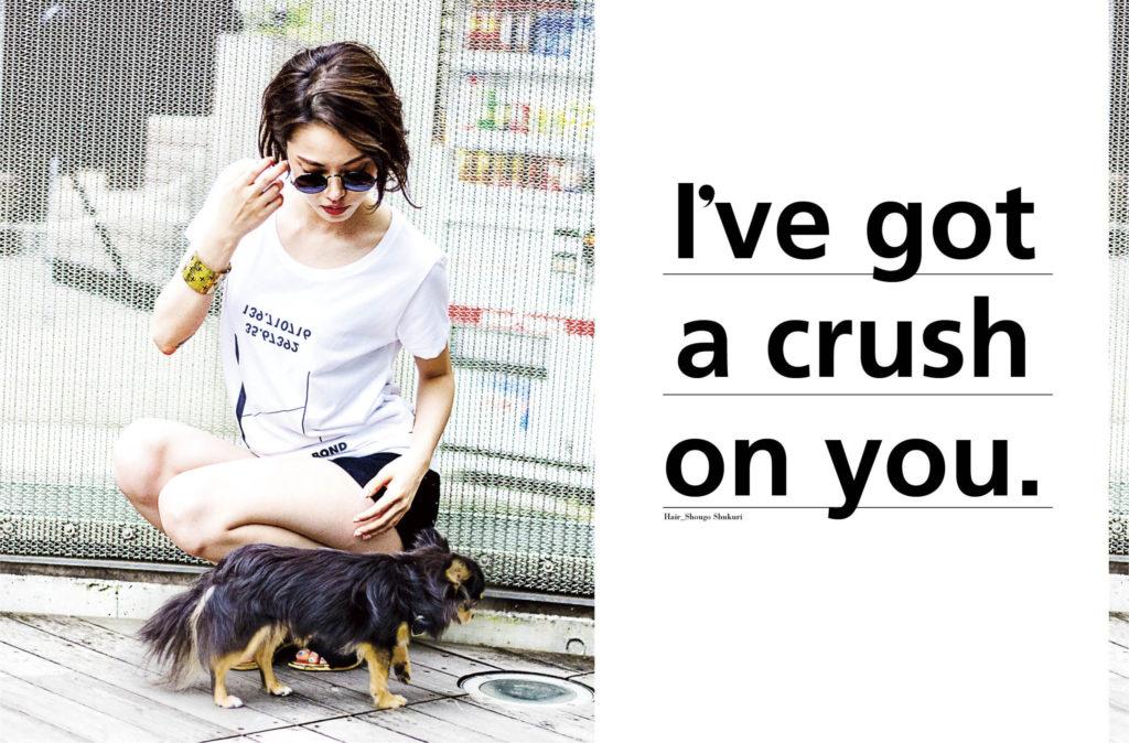 シルクスクリーンで作ったTシャツでイメージビジュアルを撮影