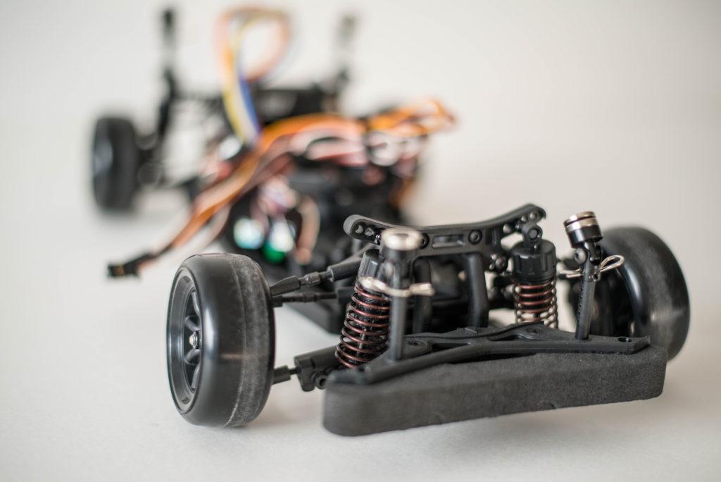ラジコンでのドリフト走行は専用タイヤが必須アイテム