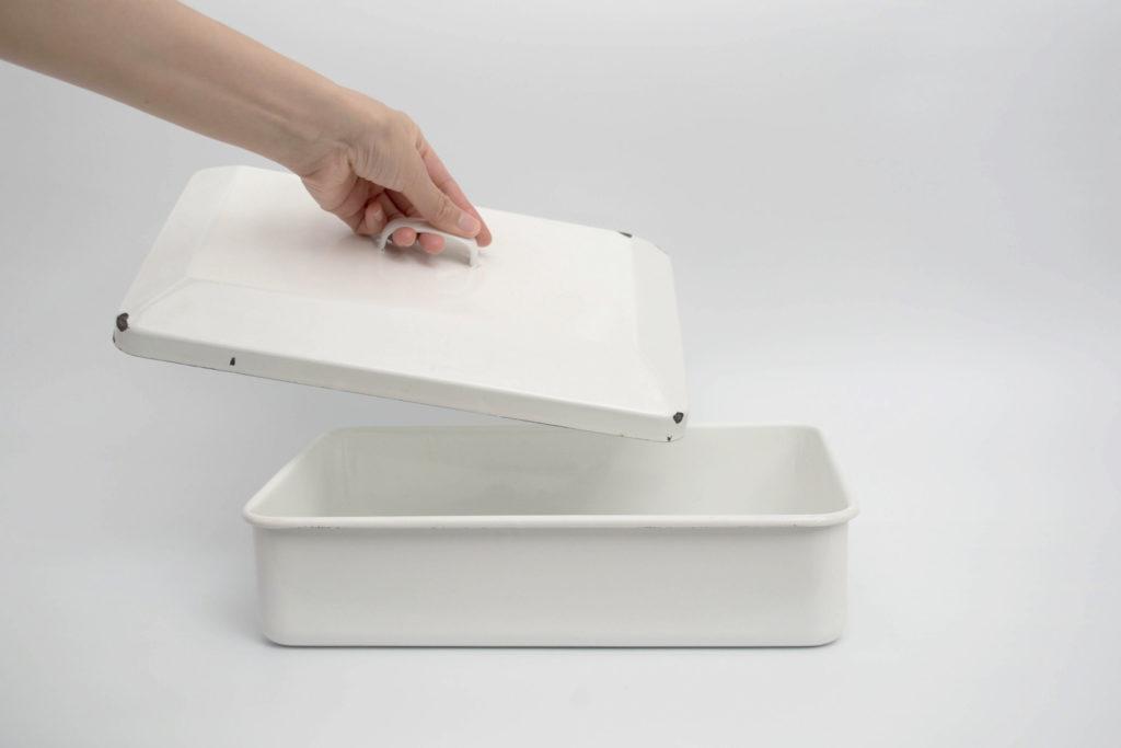 野田琺瑯の道具箱は美しさの代償に脆い部分がある